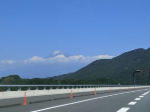 静岡県へ桐箪笥修理の仕事2