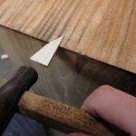 桐タンス修理、引出し前板の欠け修理中2