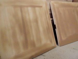 桐タンス修理、とのこ仕上げ、上塗り後の桐箪笥乾燥中の様子2